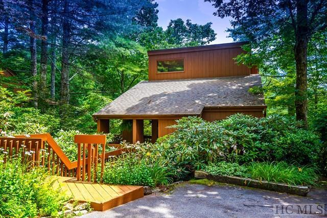 38 Mountain Villas Road, Sapphire, NC 28774 (MLS #86085) :: Berkshire Hathaway HomeServices Meadows Mountain Realty