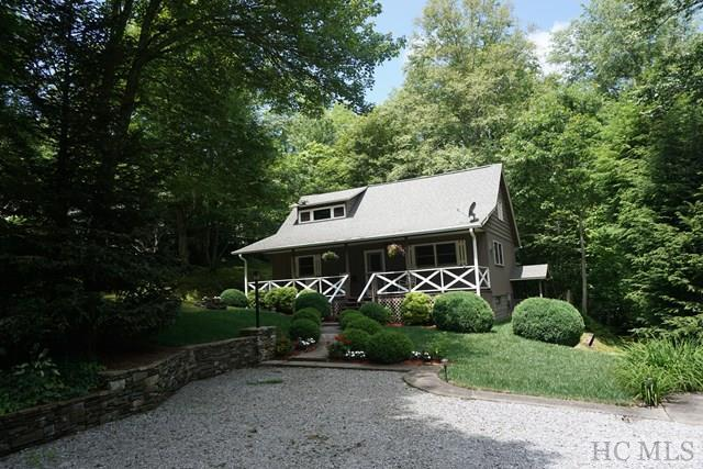 300 Cole Mountain Circle, Highlands, NC 28741 (MLS #86362) :: Lake Toxaway Realty Co