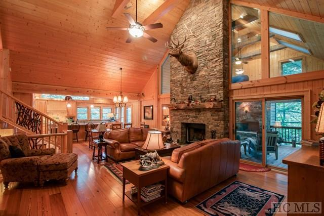 276 Wandering Ridge, Glenville, NC 23736 (MLS #86671) :: Berkshire Hathaway HomeServices Meadows Mountain Realty