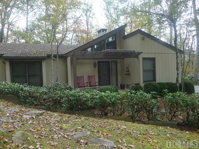 112 Rolling Woods Drive, Highlands, NC 28741 (MLS #87076) :: Lake Toxaway Realty Co
