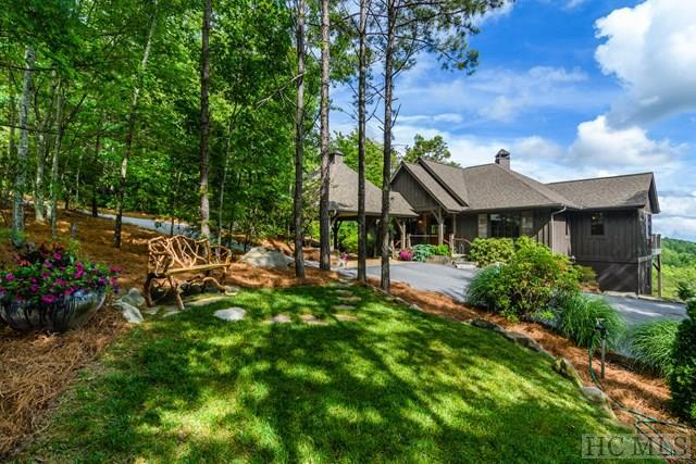 342 Hawk Mountain Road, Lake Toxaway, NC 28747 (MLS #87240) :: Berkshire Hathaway HomeServices Meadows Mountain Realty