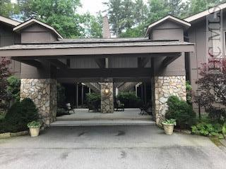 93 Highlands Manor Court #204, Highlands, NC 28741 (MLS #88640) :: Berkshire Hathaway HomeServices Meadows Mountain Realty