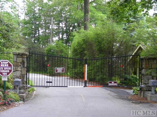 TBD Whiteside Mountain Road, Highlands, NC 28741 (MLS #90338) :: Berkshire Hathaway HomeServices Meadows Mountain Realty