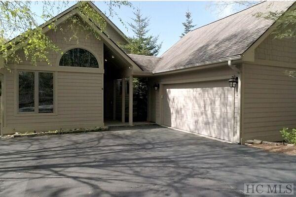 448 Lake Villas Way, Highlands, NC 28741 (MLS #90685) :: Landmark Realty Group