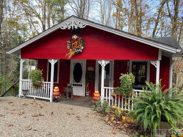 45 Cottage Row, Highlands, NC 28741 (MLS #95070) :: Pat Allen Realty Group