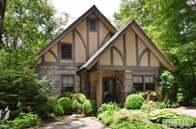 26 Pavilion Way, Cashiers, NC 28717 (MLS #81813) :: Berkshire Hathaway HomeServices Meadows Mountain Realty