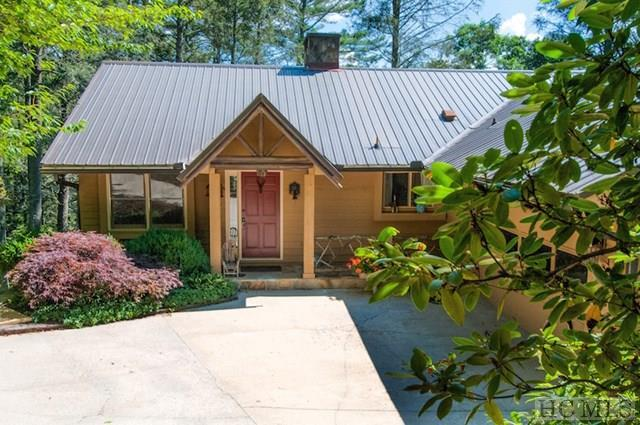 100 Mount Lori Drive, Highlands, NC 28741 (MLS #86057) :: Lake Toxaway Realty Co