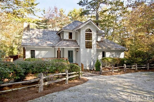 1187 Wandering Ridge Drive, Cashiers, NC 28717 (MLS #86694) :: Berkshire Hathaway HomeServices Meadows Mountain Realty