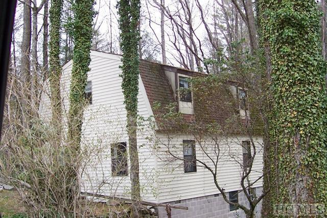49 Pinecrest Road, Highlands, NC 28741 (MLS #87712) :: Berkshire Hathaway HomeServices Meadows Mountain Realty