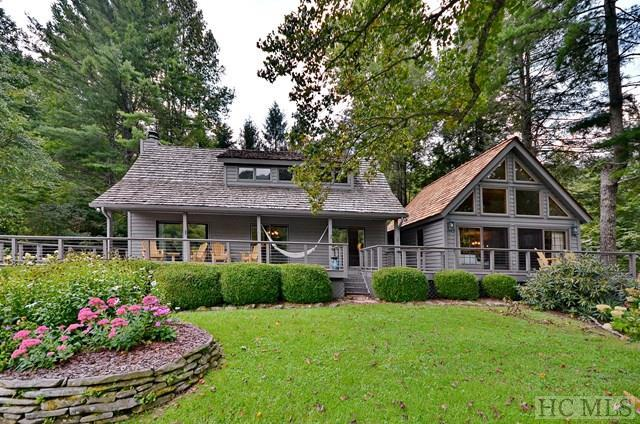 124 Racquet Club Drive, Cashiers, NC 28717 (MLS #86823) :: Lake Toxaway Realty Co