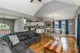 908 Oak Terrace - Photo 6