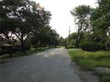 9910 Blum Road - Photo 16