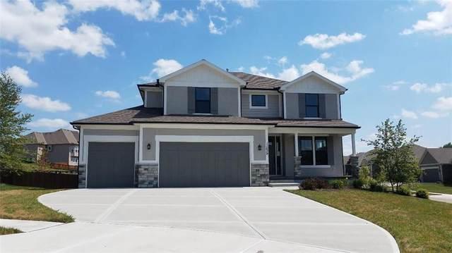11539 S Montclaire Drive, Olathe, KS 66061 (#2110856) :: Eric Craig Real Estate Team