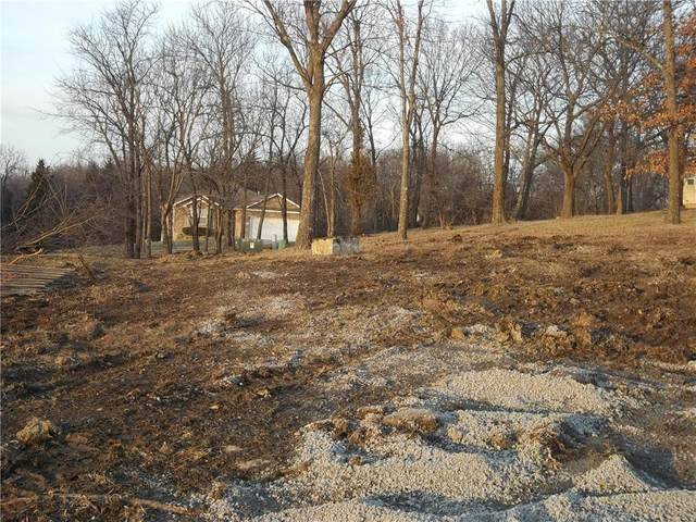 907 Ingleside Drive, Pleasant Hill, MO 64080 (MLS #2141088) :: Stone & Story Real Estate Group