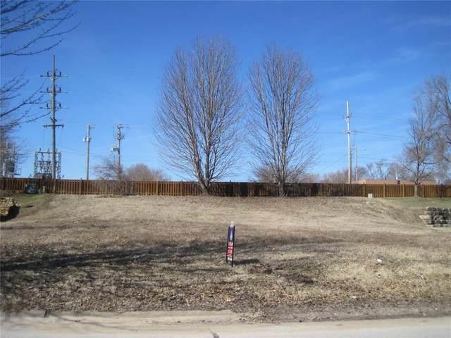 112 Shoreline Drive, Louisburg, KS 66053 (#2144130) :: House of Couse Group