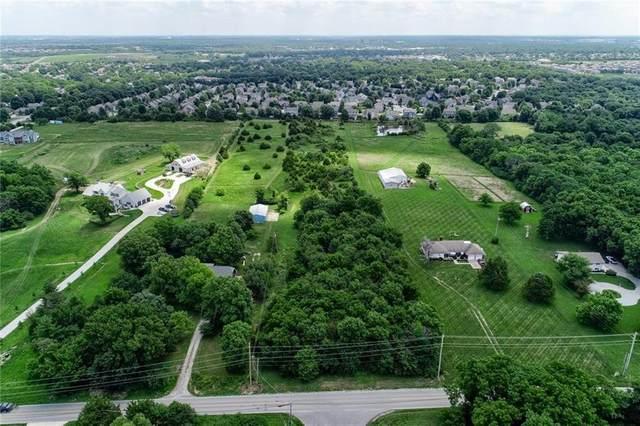 13235 Lakeshore Drive, Olathe, KS 66061 (#2199150) :: Five-Star Homes