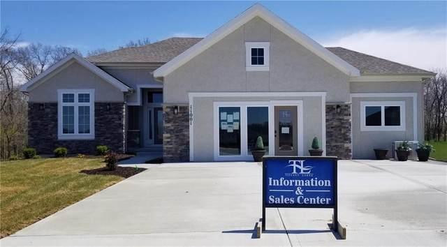 11001 N Hull Avenue, Kansas City, MO 64154 (#2200963) :: Audra Heller and Associates