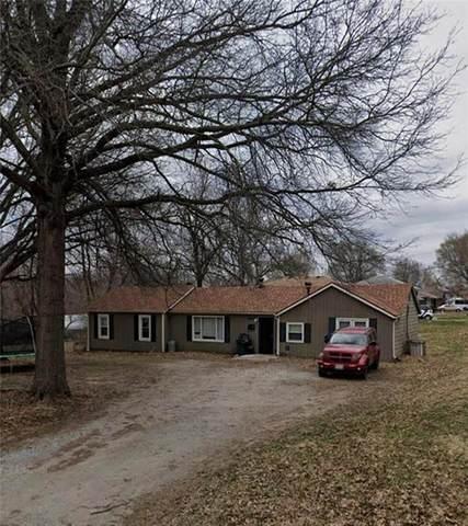 8809 E 92nd Street, Kansas City, MO 64138 (#2212952) :: The Gunselman Team