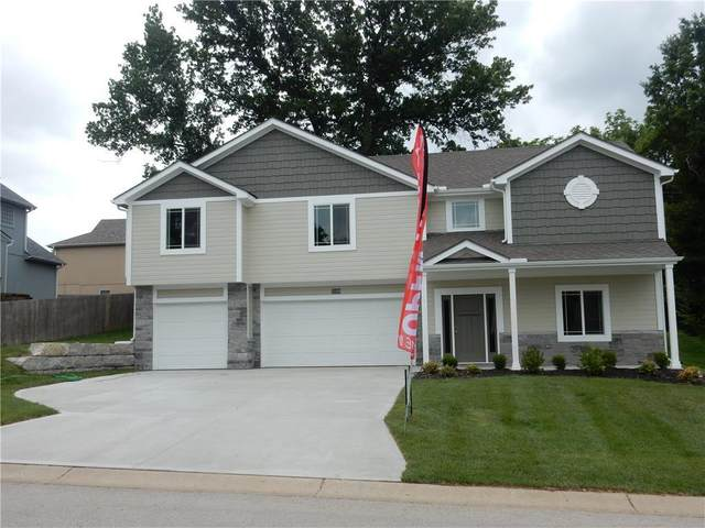 3010 S Hill Avenue, Blue Springs, MO 64015 (#2222594) :: The Shannon Lyon Group - ReeceNichols