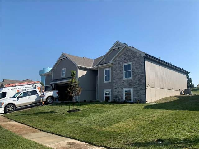 2700 SE 8th Terrace, Blue Springs, MO 64014 (#2236687) :: House of Couse Group