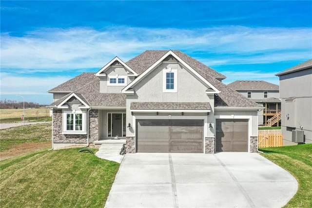 7203 Richards Drive, Shawnee, KS 66216 (#2238415) :: Austin Home Team