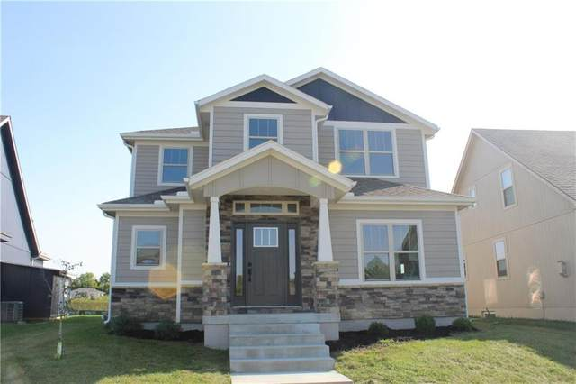 1813 SW Napa Valley Drive, Lee's Summit, MO 64082 (#2243556) :: House of Couse Group