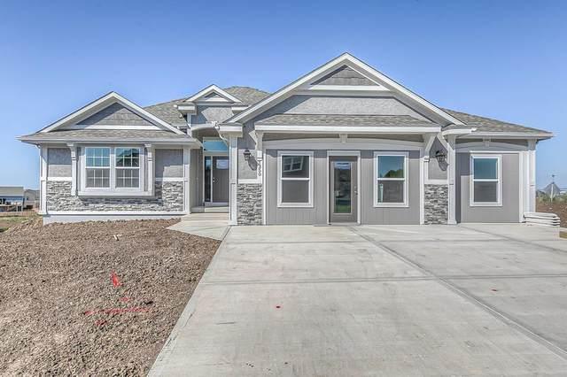 1350 N 160th Terrace, Basehor, KS 66007 (#2245201) :: Ron Henderson & Associates