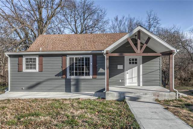 3033 N 52nd Street, Kansas City, KS 66104 (#2247119) :: Austin Home Team
