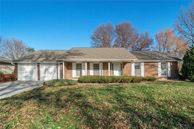 12725 Overbrook Road, Leawood, KS 66209 (#2251844) :: The Shannon Lyon Group - ReeceNichols
