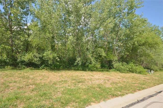 8110 Westlake Drive, Parkville, MO 64152 (#2252657) :: The Kedish Group at Keller Williams Realty