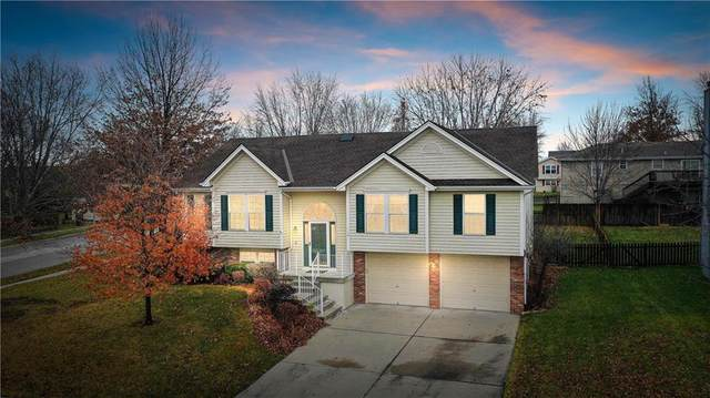110 NW 111th Street, Kansas City, MO 64155 (#2253586) :: House of Couse Group