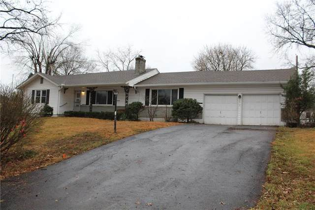 9812 Belleview Avenue, Kansas City, MO 64114 (#2253944) :: House of Couse Group