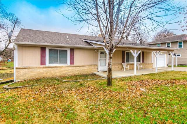 3820 S Sterling Avenue, Independence, MO 64052 (#2254101) :: House of Couse Group