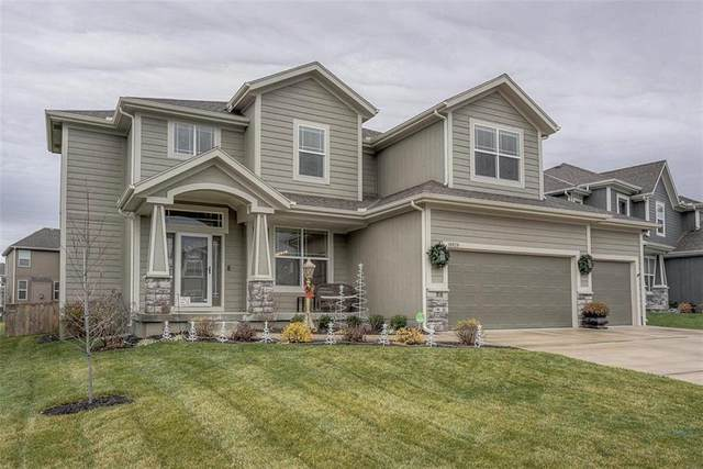 18939 W 167th Terrace, Olathe, KS 66062 (#2254128) :: The Gunselman Team