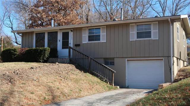 5905 N Garfield Avenue, Gladstone, MO 64118 (#2254162) :: Ron Henderson & Associates