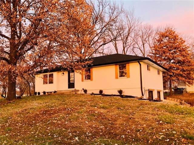 7331 Aminda Street, Shawnee, KS 66227 (#2254177) :: The Kedish Group at Keller Williams Realty
