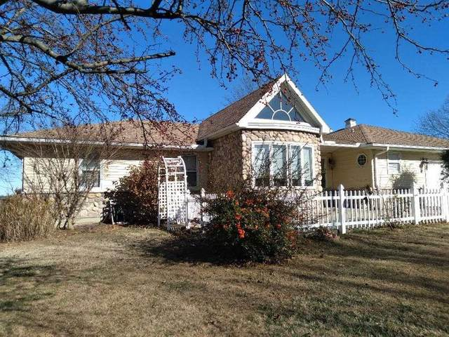 725 Fairway Drive, Fort Scott, KS 66701 (#2254396) :: House of Couse Group