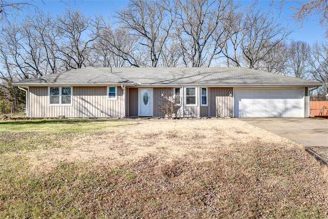 19014 Lowell Avenue, Stilwell, KS 66085 (#2254453) :: House of Couse Group