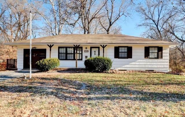 13000 E 54TH Street, Kansas City, MO 64133 (#2254487) :: House of Couse Group