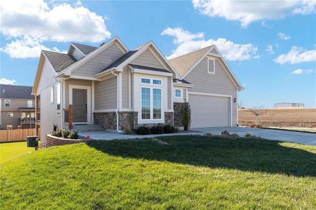 1819 NW 94 Terrace, Kansas City, MO 64155 (#2254612) :: Dani Beyer Real Estate