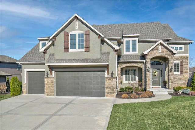1612 NE Shadow Valley Drive, Lee's Summit, MO 64064 (#2254754) :: Eric Craig Real Estate Team