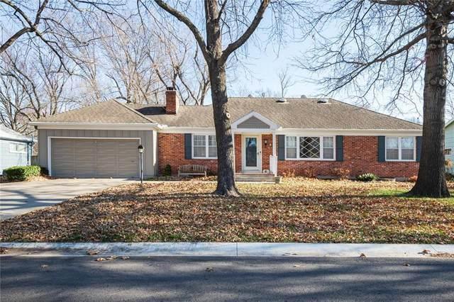 604 S Edgemere Drive, Olathe, KS 66061 (#2254819) :: House of Couse Group