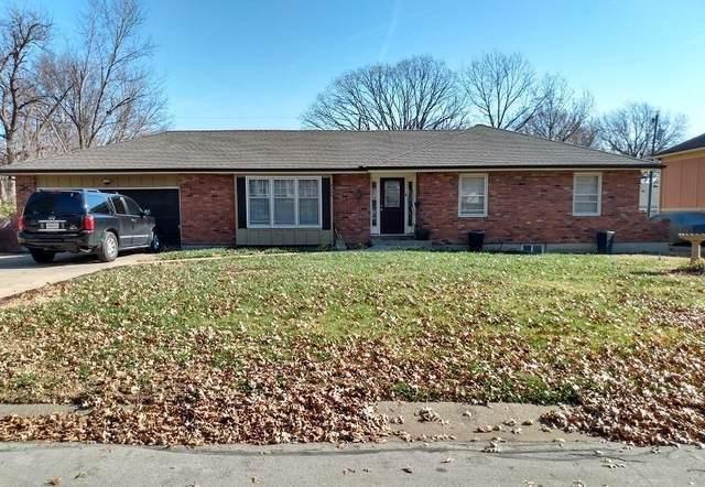 8749 Arlington Avenue, Raytown, MO 64138 (#2254961) :: Eric Craig Real Estate Team