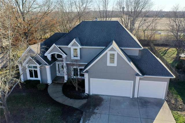 2125 SW Cedar Hill Lane, Lee's Summit, MO 64081 (#2254973) :: House of Couse Group