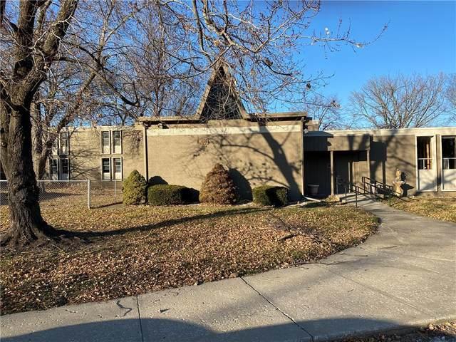 134 N Hardesty Avenue, Kansas City, MO 64123 (#2255041) :: Edie Waters Network