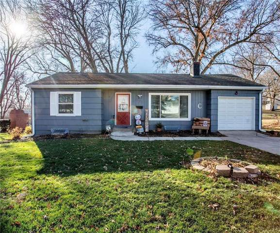 9901 E 77th Street, Raytown, MO 64138 (#2255066) :: House of Couse Group