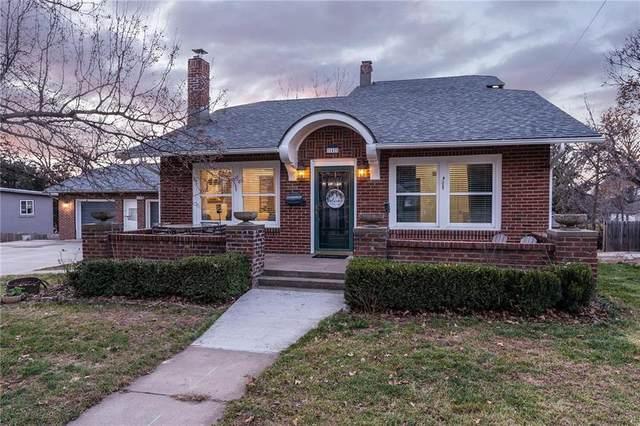 142 Clark Avenue, Bonner Springs, KS 66012 (#2255714) :: Audra Heller and Associates