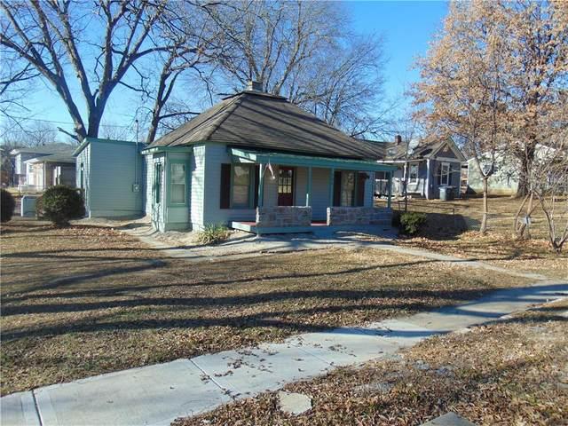 706 Green Street, Harrisonville, MO 64701 (#2255715) :: Ask Cathy Marketing Group, LLC
