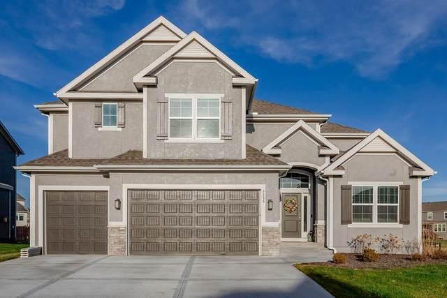 9655 Mccormack Drive, Lenexa, KS 66227 (#2256064) :: Audra Heller and Associates