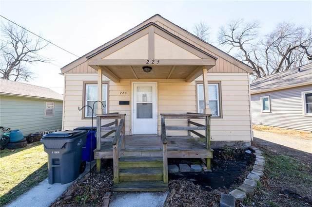 225 E South Street, Olathe, KS 66061 (#2256073) :: Audra Heller and Associates